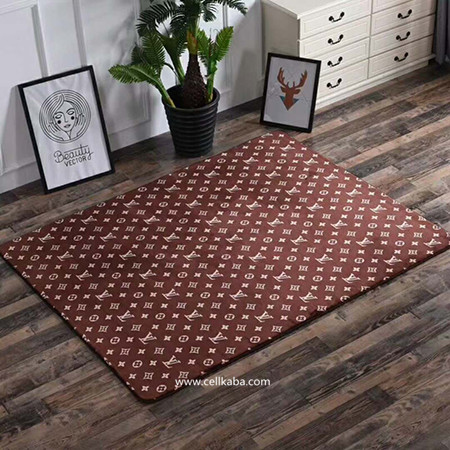 ブラントルイヴィトンカーペット、滑り止め付き、シンプルな無地アイテムのスタイリッシュな魅力 使いやすく、お部屋に合わせやすい無地アイテム。