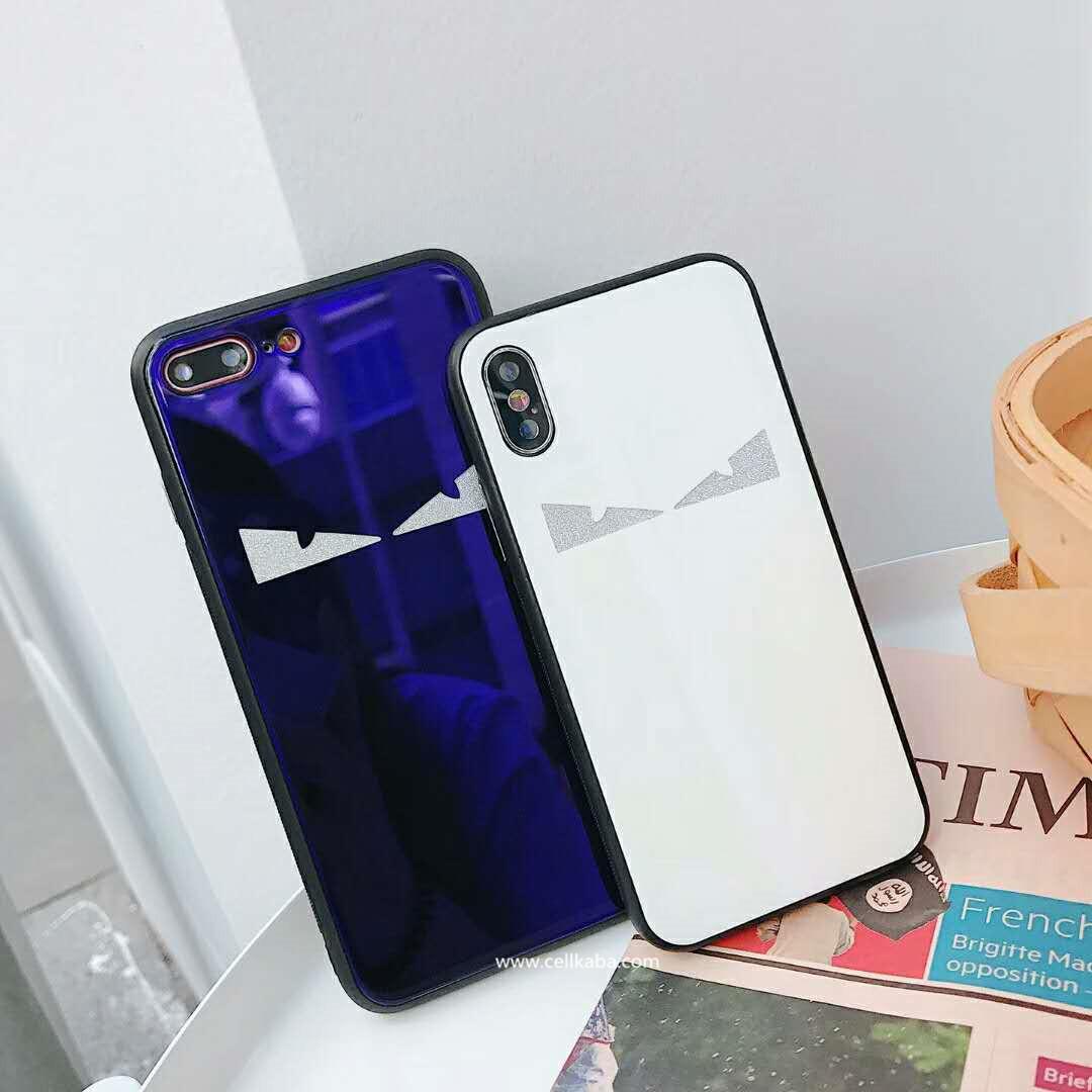 フェンディモンスター仕様ブランドiPhoneX/8ケースです、ピカピカ磨いた鏡みたい光沢感あり、キュートでおしゃれ、2色ありますので親友や恋人とお揃いできます、大人気FENDI鏡面アイフォンケースです!